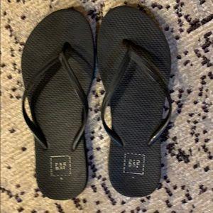 Gap black flip flops, size 8